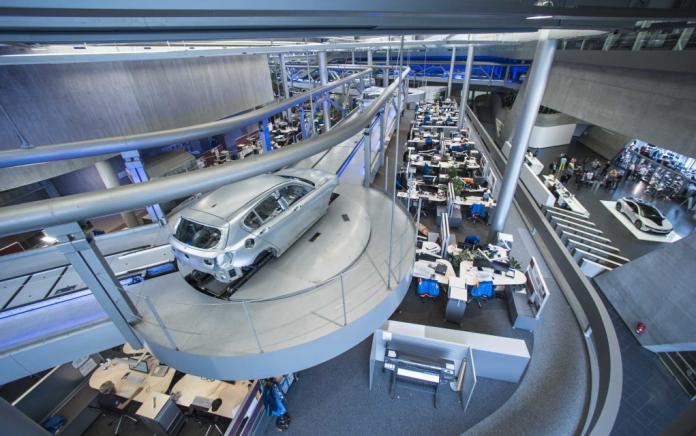 «Επιτυχημένη» χρονιά το 2018 για την BMW