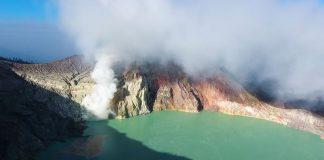 Ινδονησία: Σχεδόν 500 περιπατητές απεγκλωβίστηκαν σε ηφαίστειο
