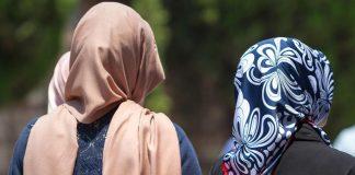 Γερμανία: Εξετάζει την απαγόρευση μαντίλας στις μαθήτριες
