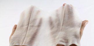 Βρετανία: Η κυβέρνηση καταργεί τα… υγρά μαντηλάκια