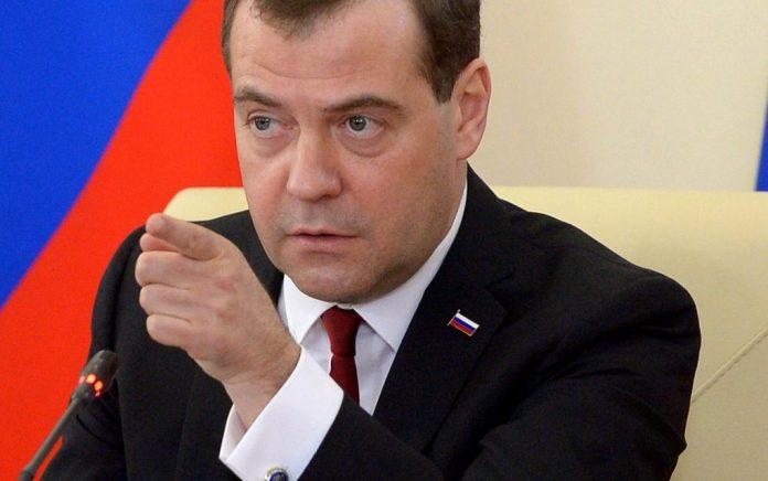 Μεντβέντεφ: «Η Ρωσία έχει ευκαιρία βελτίωσης σχέσεων με Ουκρανία»