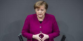 Μέρκελ: Τα προγράμματα θα συνεχίσουν να επιδρούν στην Ελλάδα