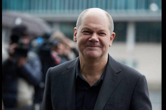 Σολτς: «Η Γερμανία θα αποφύγει την ύφεση»