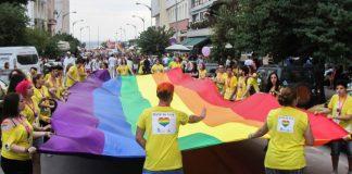 Θεσσαλονίκη: Σήμερα το βράδυ η παρέλαση του 7ου Pride