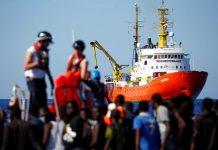 Το Aquarius αναζητεί λιμάνι υποδοχής για 11 διασωθέντες μετανάστες