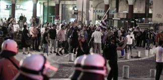 Επεισόδια στο συλλαλητήριο – Πεδίο μάχης η Αριστοτέλους (vd)