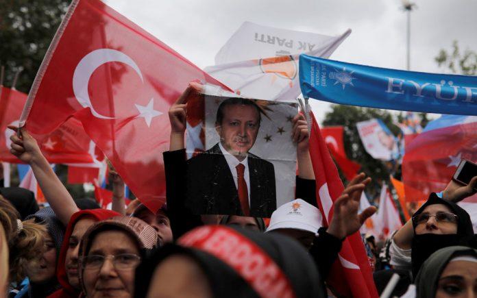 Τουρκία: Ο Ερντογάν προηγείται με 52,56% στο 9,2% των ψήφων
