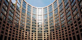DW: Χρήματα για πλούσιες χώρες από τα ταμεία της ΕΕ;
