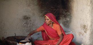 Ινδία: «Εκρηκτικό» το κλίμα σε ναό που επιτρέπεται η είσοδος σε γυναίκες