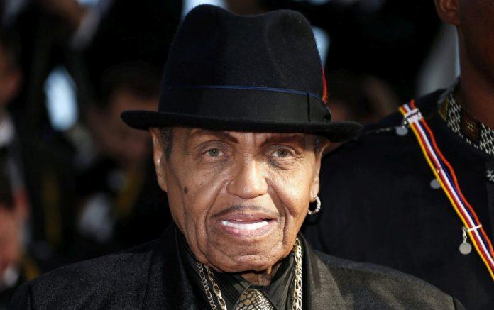 «Έφυγε» στα 89 του χρόνια ο πατέρας του Μάικλ Τζάκσον