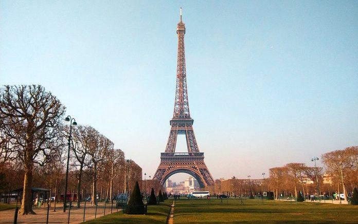 Μετ' εμποδίων η εβδομάδα μόδας στο Παρίσι λόγω απεργιών