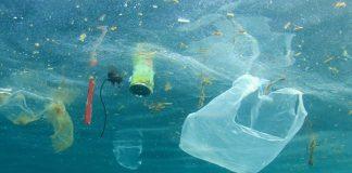 Η διεθνής κοινότητα δεσμεύθηκε να μειώσει τα πλαστικά μιας χρήσης