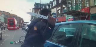 Σοκαριστική επίθεση ποδηλάτη εναντίον οδηγού με μαχαίρι στο Λονδίνο