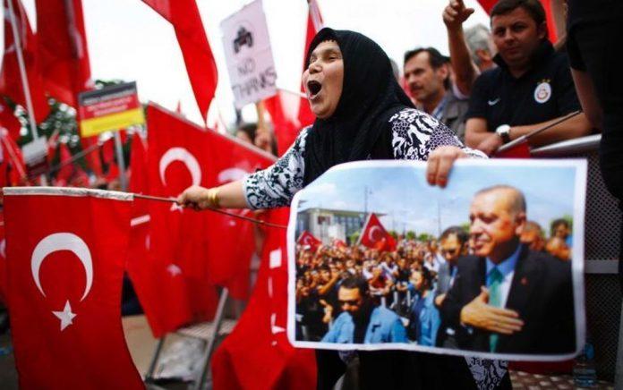 SZ: Γιατί ο Ερντογάν ανακινεί θέμα ονόματος στην Κων/πολη