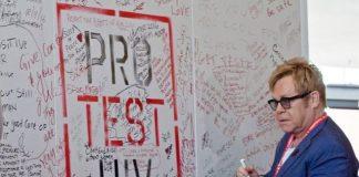 «Παγκόσμια συνεργασία» πρίγκιπα Χάρι και Έλτον Τζον κατά του HIV στους άνδρες