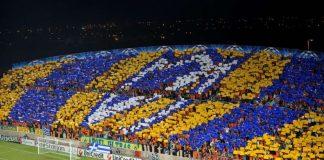 Συγκλονίζουν οι οπαδοί του ΑΠΟΕΛ: «Κράτα γερά, μάνα Ελλάς» (vd)