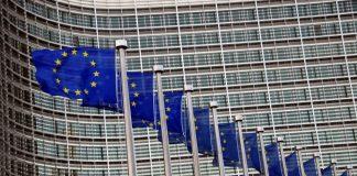 La Tribune: Οι Βρυξέλλες δεν απαιτούν από την Ελλάδα να κόψει τις συντάξεις