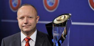 Η FIFA επισημοποίησε το διορισμό του Πετρ Φούσεκ ως «υπερσυμβούλου» της ΕΠΟ