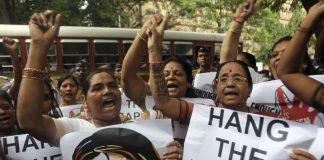 Ινδία: Έξι άνδρες ένοχοι για βιασμό και δολοφονία 8χρονης