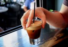 """Ποια είναι η κίνηση """"stopotirimou.gr"""" και ποιες καφετέριες συμμετέχουν"""