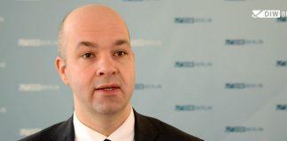 «Η αναδιάρθρωση του χρέους της Ελλάδας είναι προς το συμφέρον και της Γερμανίας»
