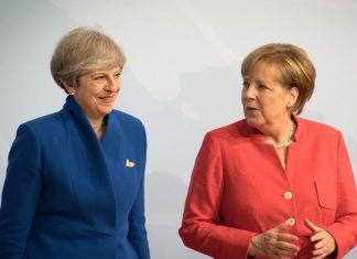 Μέρκελ-Μέι: Συνάντηση με μικρό καλάθι στο Βερολίνο