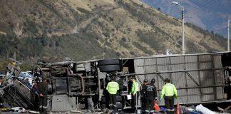 Ισημερινός: 19 Κολομβιανοί μεταξύ των 24 νεκρών στο τροχαίο με το λεωφορείο