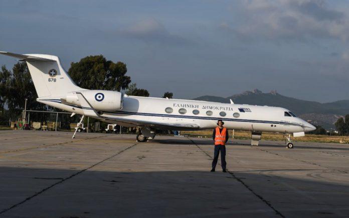 Με το πρωθυπουργικό αεροσκάφος στη Θεσσαλονίκη μετά τα μεσάνυχτα οι δύο στρατιωτικοί