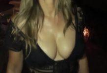 Ελίζαμπεθ Χάρλεϊ: Το... «κολασμένο» κορμί της 53χρονης (vd)