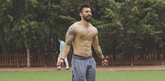 Ο νικητής του Survivor γυμνός έχει τρελάνει το instagram (pic)