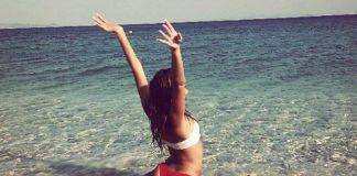 Η Έλενα Κρεμλίδου κάνει push-ups με «καυτό» κορμάκι! (vd)