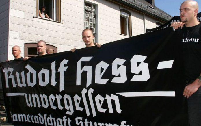 DW: Αναβιώνει η νεοναζιστική τρομοκρατία στη Γερμανία;