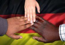 Αυξάνονται τα ρατσιστικά κρούσματα στη Γερμανία