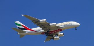 Σε καραντίνα 100 επιβάτες αεροπλάνου της Emirates