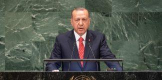 Ο Ερντογάν καταδικάζει την «απόπειρα πραξικοπήματος» στη Βενεζουέλα