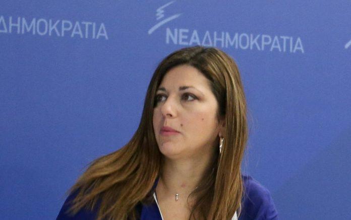 Ζαχαράκη: «Απόλυτος εξευτελισμός ενός κράτους» ο βανδαλισμός της Βουλής