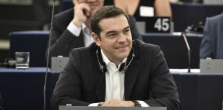 Επαφές με στελέχη τραπεζικών ιδρυμάτων για τον Τσίπρα