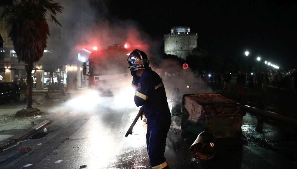 Η Θεσσαλονίκη στις φλόγες...