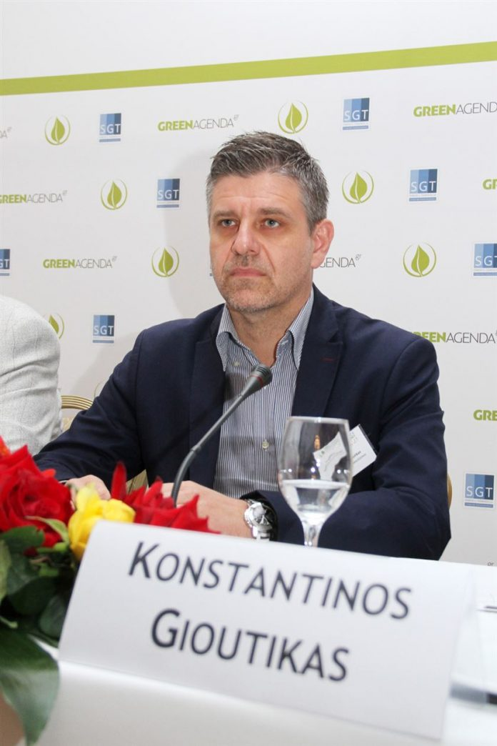 «Φρένο» στην καύση των oρυζοκαλλιεργειών θέλει να βάλει η Περιφέρεια