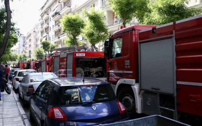 Στις φλόγες ΙΧ αυτοκίνητο στη Θέρμη Θεσσαλονίκης