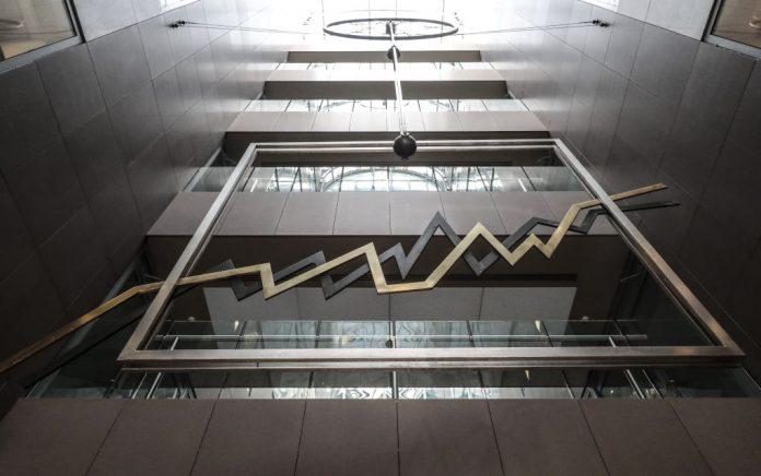 Χρηματιστήριο Αθηνών: Πιέσεις 1,59% - Έως 4,59% χάνει η Αlpha bank