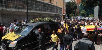 Βενεζουέλα: Πλήθος κόσμου στην κηδεία του Αλμπάν