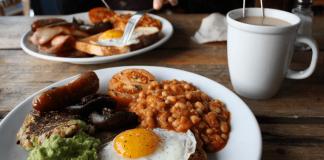 Μπορεί το… διπλό πρωινό να οδηγήσει σε απώλεια βάρους;