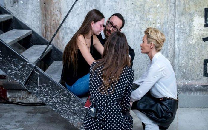 Πολύ κλάμα στο GNTM: Παρακαλούσε να μην της κόψουν τα μαλλιά (vd)