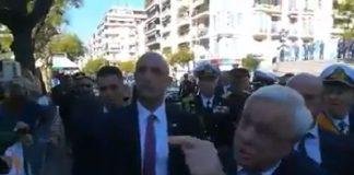 Θεσσαλονίκη: «Έσπασε» το πρωτόκολλο ο ΠτΔ - Συζήτησε με διαδηλωτές