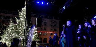 Ο Γ.Μπουτάρης άναψε το χριστουγεννιάτικο δέντρο στην Αριστοτέλους