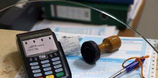 Η Κομισιόν εξετάζει νέους κανόνες για τις πληρωμές
