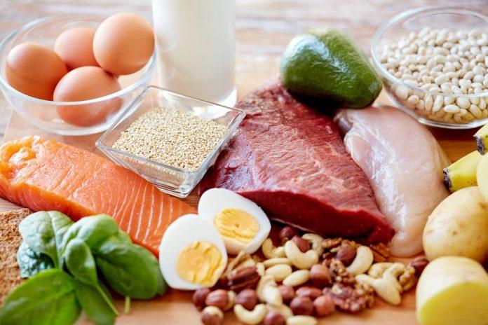 Ιδρώνεις υπερβολικά; Μείωσε την πρωτεΐνη στα γεύματά σου!