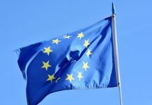H ΕΕ επικαιροποίησε τη μαύρη λίστα των φορολογικών παραδείσων