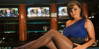 Η «Βασίλισσα» Lisa Ann αποκάλυψε τι κάνει μετά τα γυρίσματα πορνό (vd)